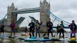 Paddleboarders-at-Tower-Bridge
