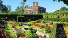 Explore Hampton Court Palace's Gardens With These Lovely, Peaceful Videos